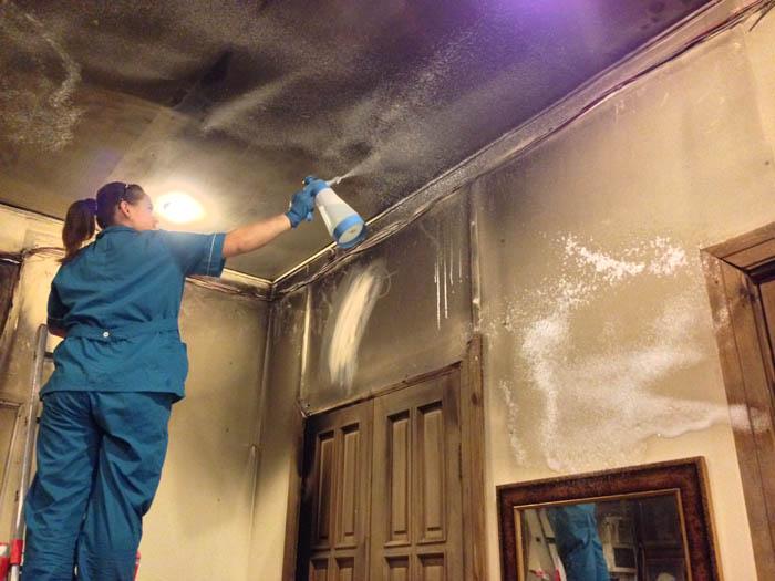 Уборка после пожара в Москве