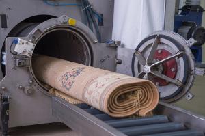 Стирка ковров на фабрике